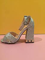 Серебристые босоножки на толстом каблуке с камнями , копия, фото 1