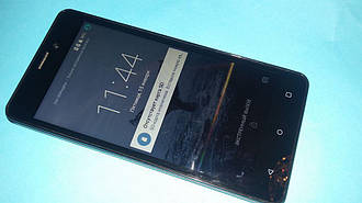 Смартфон Prestigio Wize N3 PSP3507