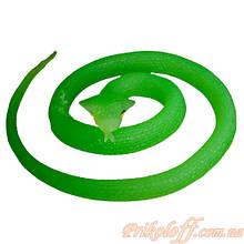 Змея резиновая зеленая