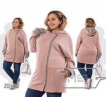 Женское батальное пальто с капюшоном