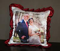 Подушка с бардовими рюшами, фото 1