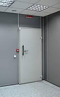 Экранированная дверь в серверную