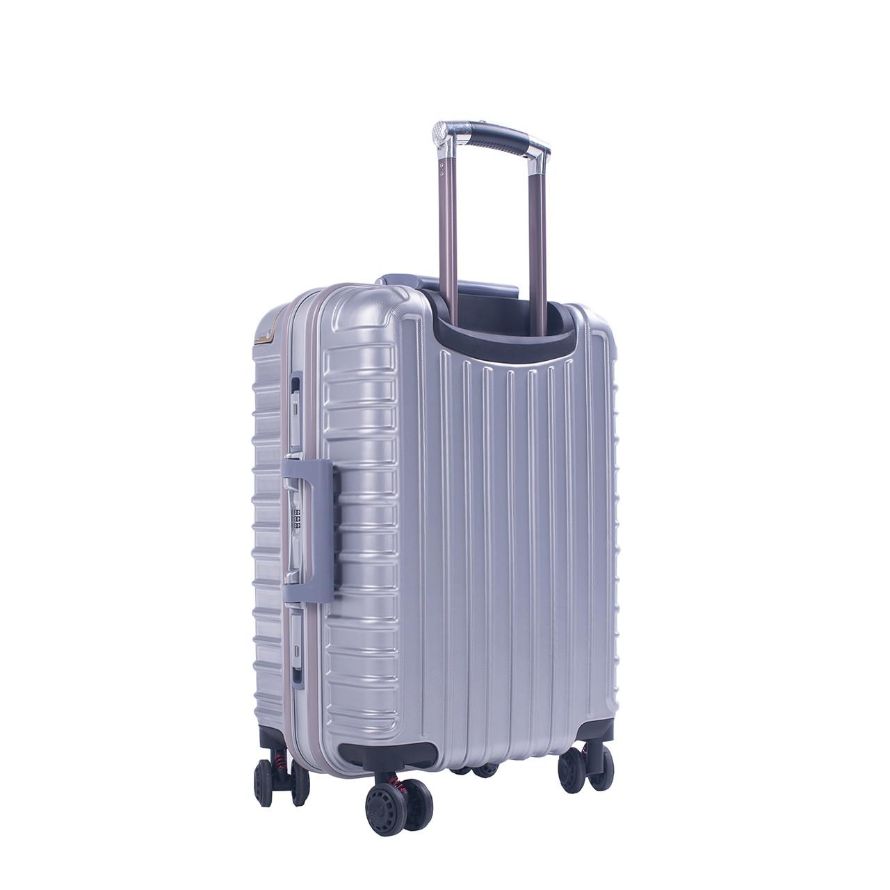 Чемодан BagHouse 4 колеса пластиковый, цвет серый 39х55х27 кс801мсер