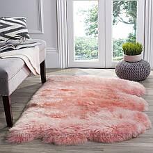 Приліжковий натуральний килим для дитячої кімнати з рожевого якісного овечого хутра