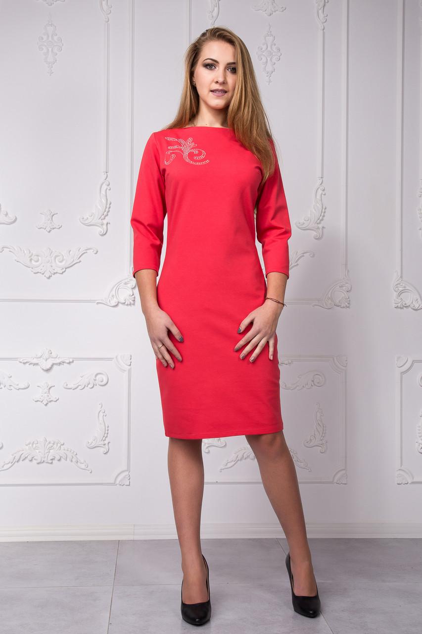 Вечернее эффектное платье с узором из камней