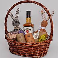 Подарочный набор в корзине для мужчины. Виски, шоколад (другу, мужу, врачу, директору). Оригинальный подарок.