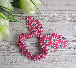 Резинка Солоха с ушками в цветочек ярко-розовая