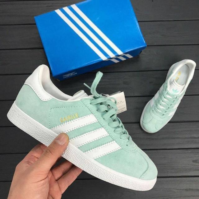 Женские кроссовки Adidas gazelle цвет ментоловый (реплика)