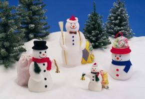 Деды морозы и снегурочки под елку