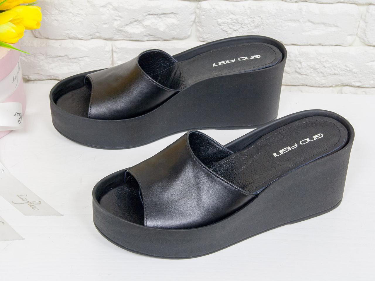 fdef933fa Летние шлепки-сабо на танкетке из натуральной кожи черного цвета -  Интернет-магазин одежды