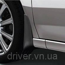 Бризковики Honda Accord 2008-2012 оригінальні передні \ 2 шт