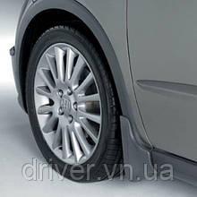 Бризковики Honda Civic Hb 2006-2012, оригінальні передні \ 2 шт