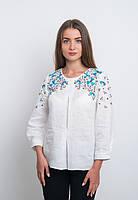 Белая вышиванка с голубой вышивкой, яркая и модная, фото 1
