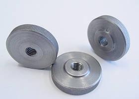 Гайка кругла низька рифлена (з накаткою) DIN 467