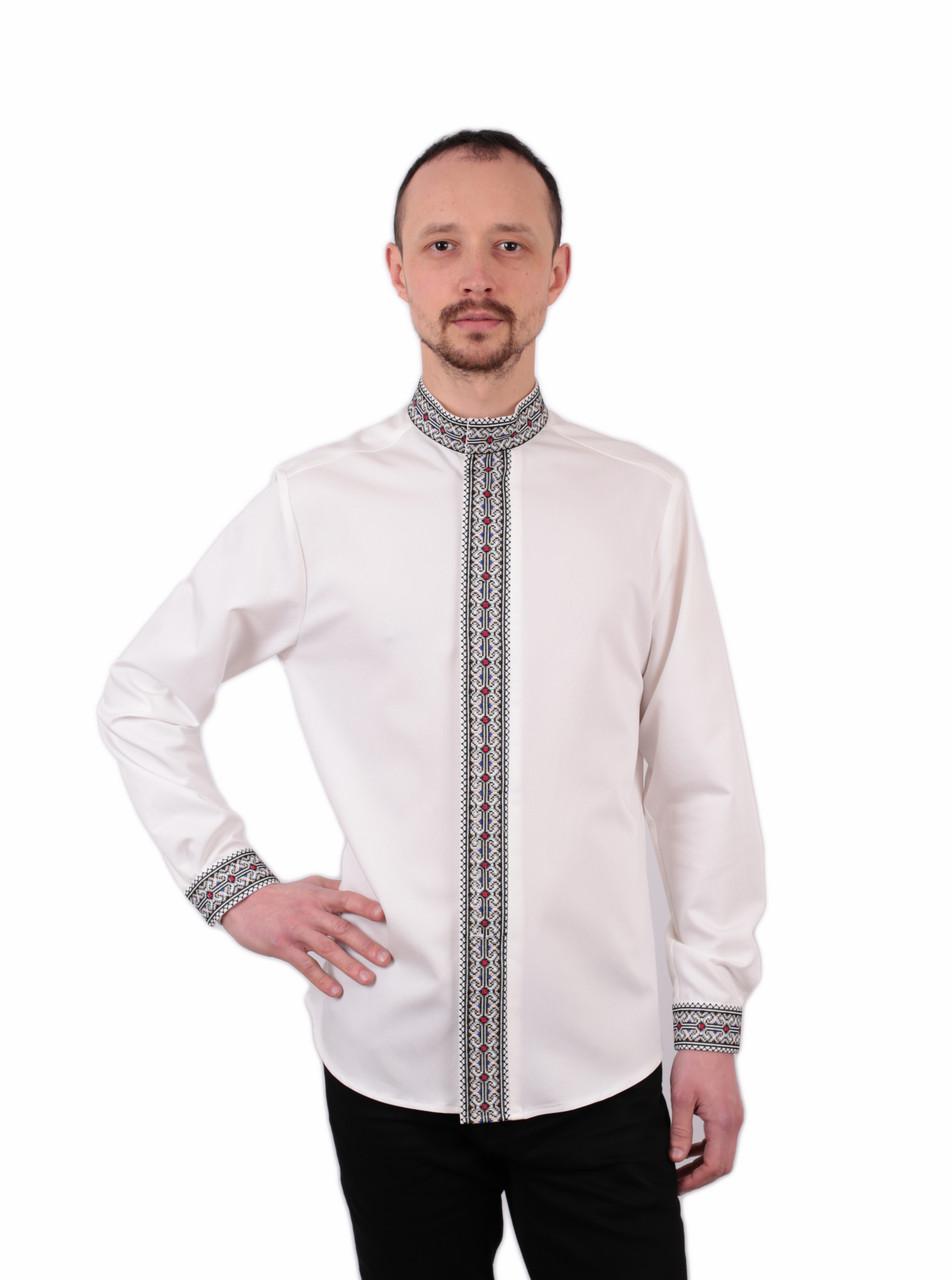 Чоловіча вишиванка білого кольору