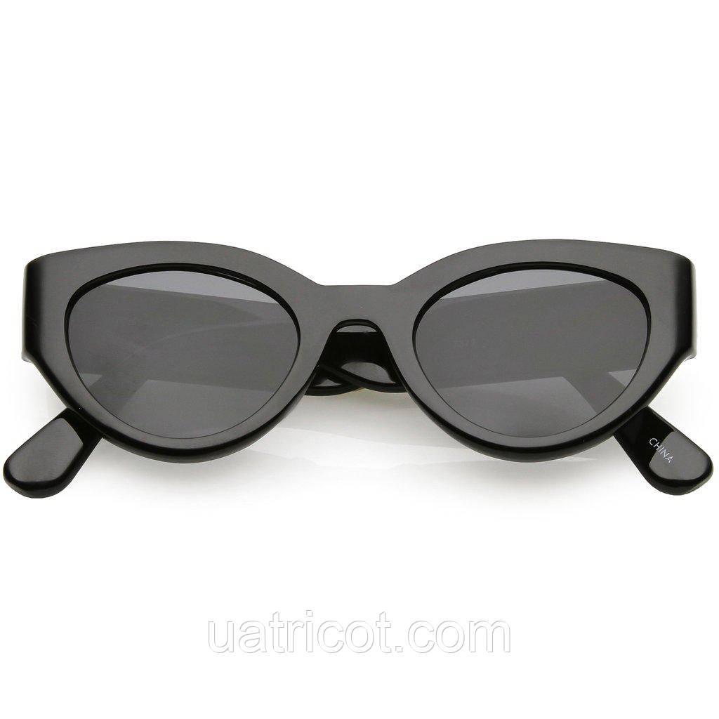 Женские солнцезащитные очки Сat eye в чёрной оправе и смоки линзами