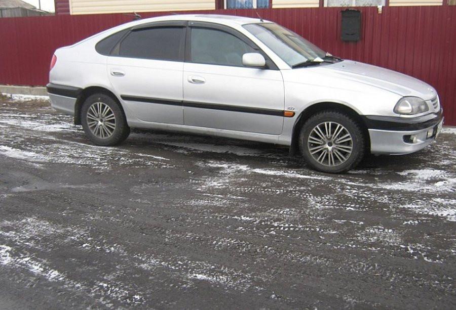 Дефлекторы окон ветровики на TOYOTA Тойота Avensis hb 5d 1997-2003