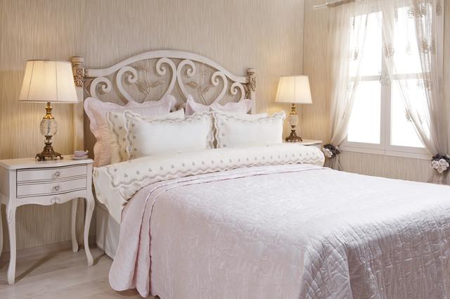 Покрывала для спальни и гостиной