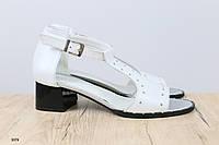 Женские кожаные босоножки на удобном каблуке, фото 1