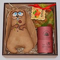 """Подарочный набор """"Милый Заяц"""" (кофейная игрушка, шоколад, цукаты) Оригинальный сладкий подарок для девушки"""