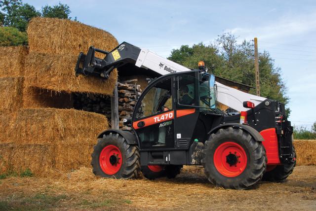 Фото Bobcat в сельском хозяйстве