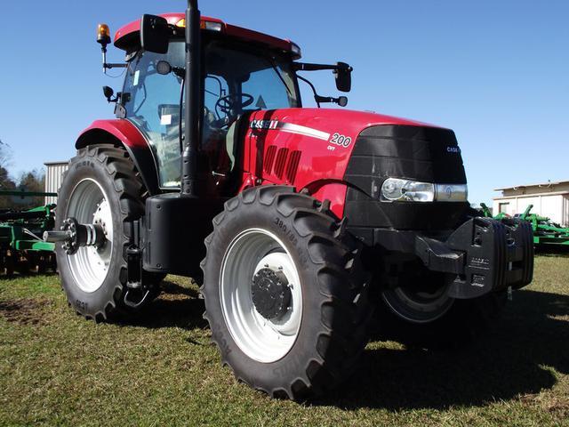 Фото колесного трактора Case 200
