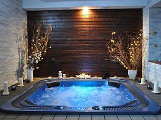 Quatro/Кватро - переливной гидромассажный спа бассейн коммерческого назначения, для комплектации спа зон, для бани, сауны, хаммама