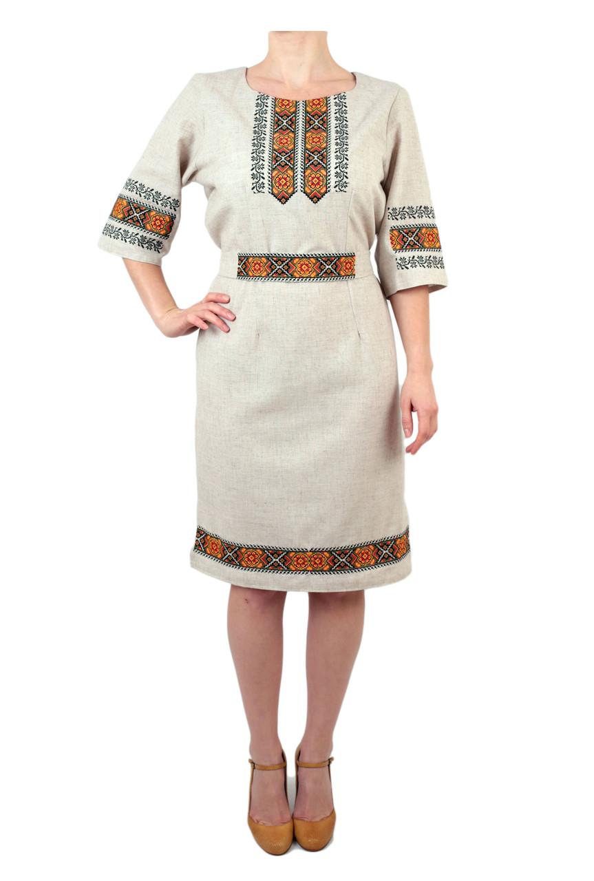 Вишите лляне плаття з машинною вишивкою