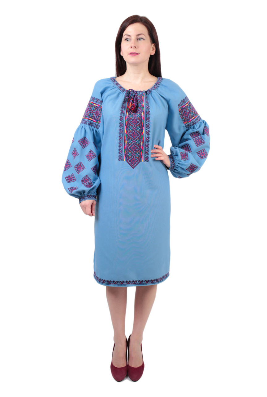 Вишите блакитне плаття на домотканому полотні з ручною вишивкою