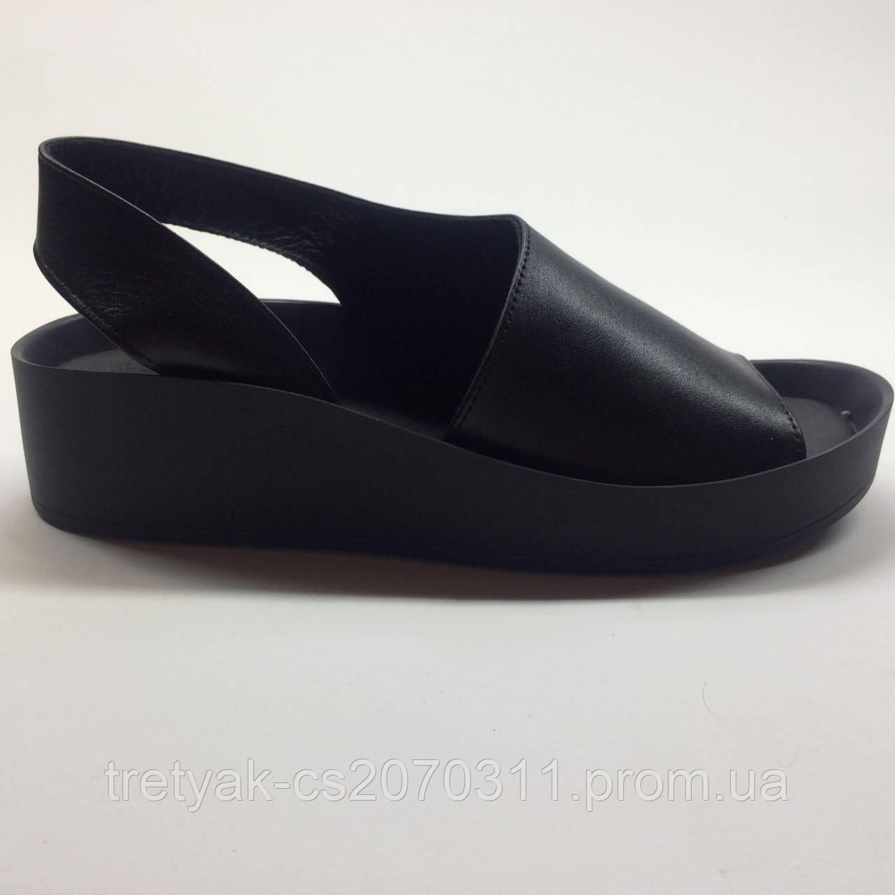 Женские босоножки сандалии из кожи на низком ходу