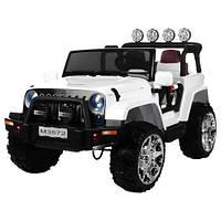 Детский электромобиль Джип M3572EBLR-1 с кожаным сиденьем белый