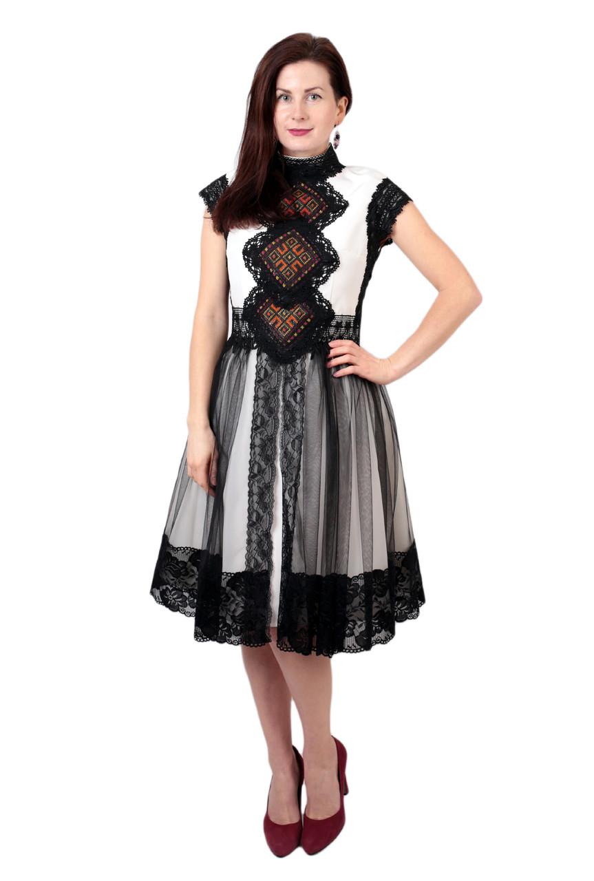 Коротка дизайнерська вишита сукня ручної роботи