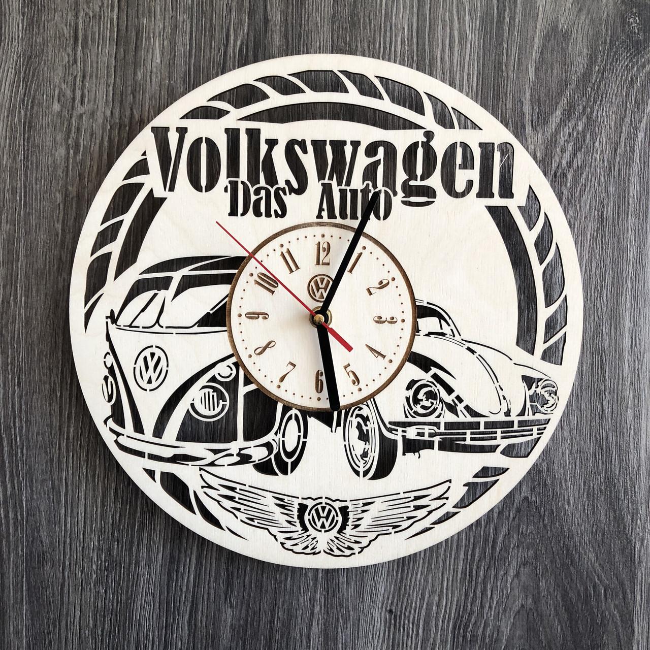 Стильные часы из дерева настенные «Volkswagen»