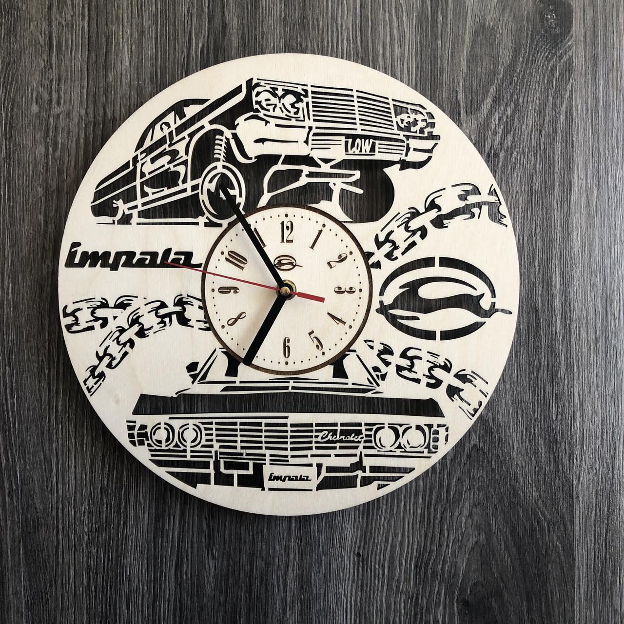 Стильные часы из дерева настенные «Chevrolet Impala»