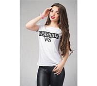 Летняя женская футболка белого цвета с надписью