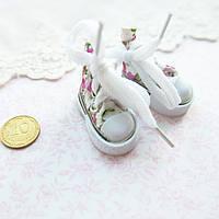 Обувь для кукол, кеды мини белые с фиолетовыми цветами - 3.5*2 см