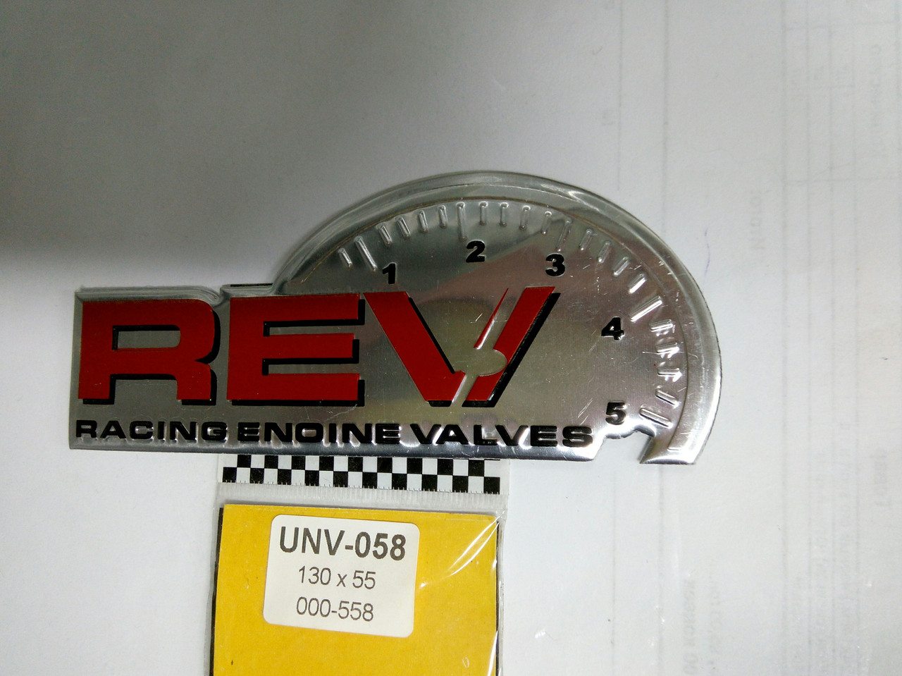 Металлизированная наклейка REV  130х55 мм
