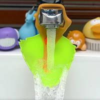 Удлинитель на кран для детей Зеленый листик