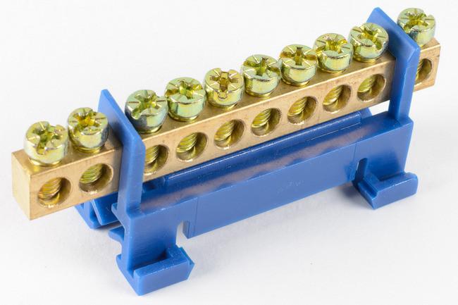 Нулевая шина с изолятором на Din-рейку 6х9 10 отв.