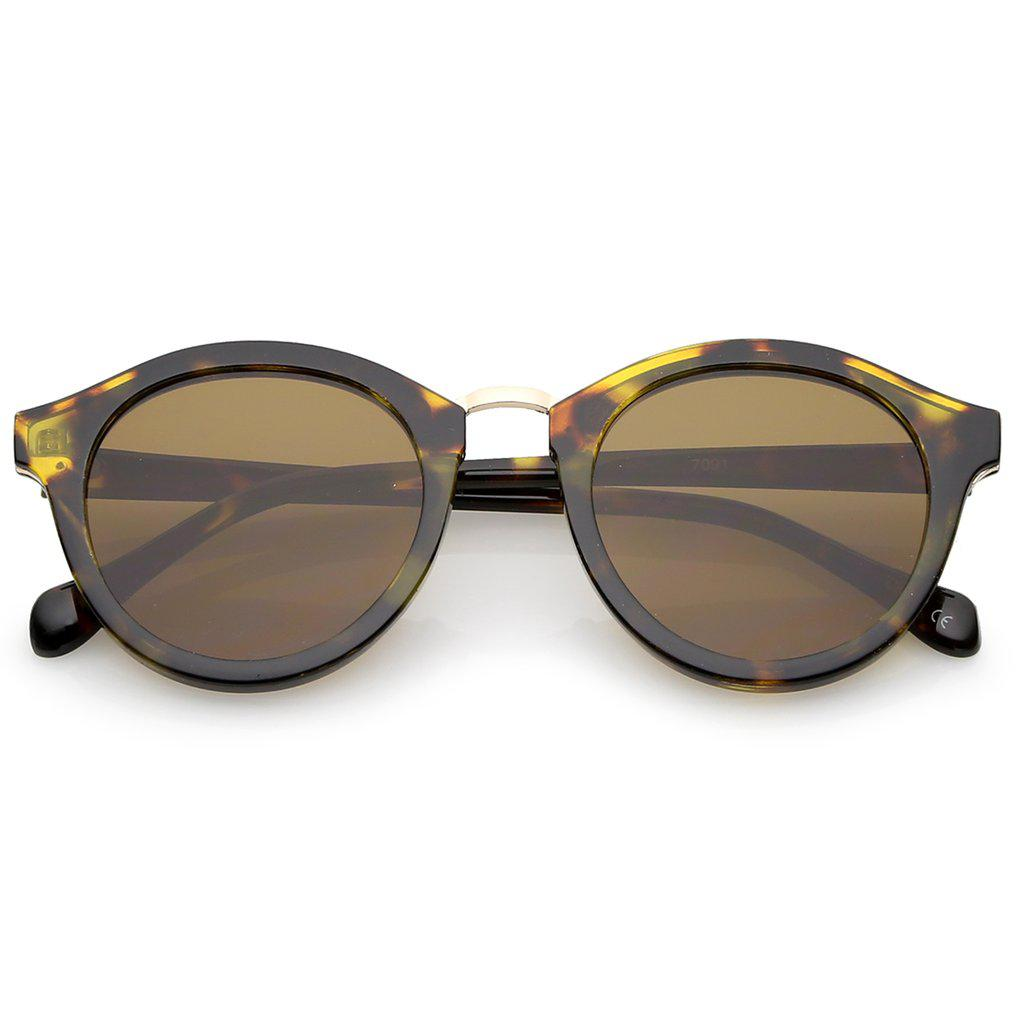 Женские круглые солнцезащитные очки в коричневой оправе с золотой металлической вставкой