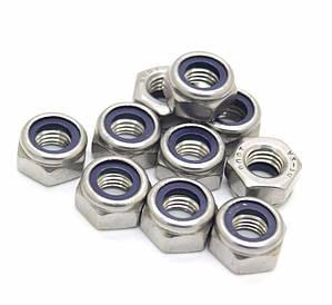 Гайка нержавеющая М4 DIN 985, ISO 10511 низкая самоконтрящаяся с нейлоновым кольцом