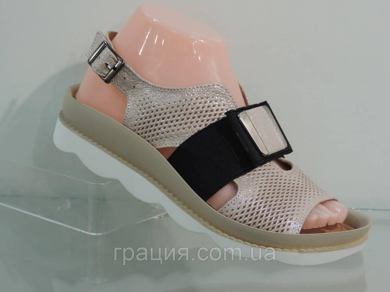 Женские модные  кожаные босоножки с резинкой на подъеме