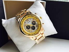 Женские наручные часы Guess золото с белым циферблатом