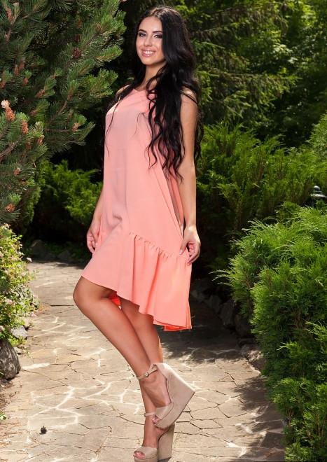 Платье нежно персикового цвета