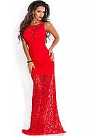 Красное облегающее платье в пол из гипюра с нижним чехлом