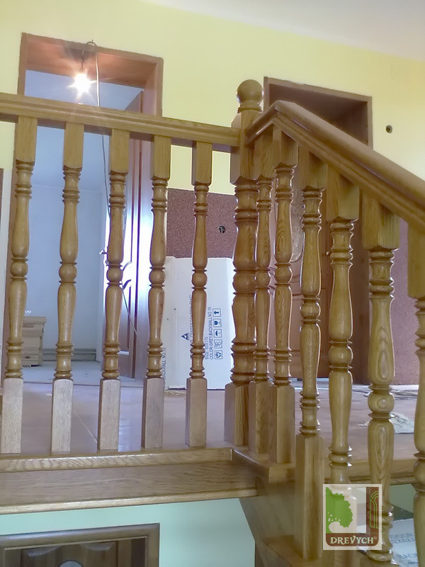 Виготовлення дерев'яних сходів на косоурі