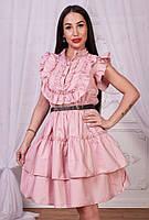 Красивое женское платье с оборками