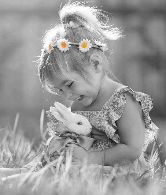 Девочка с кроликом. Картинка 5.