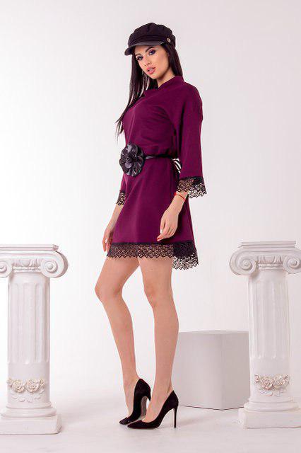 0b5a5f1d333 Стильное женское трикотажное платье с отделкой из кружева и поясом в  комплекте цвета марсал. Арт