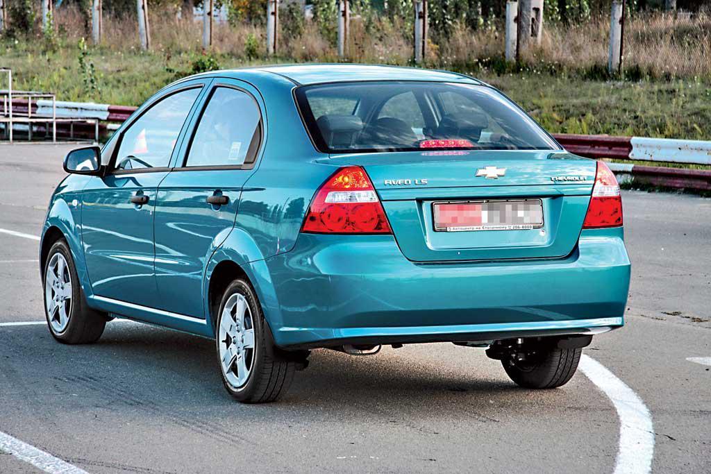 Заднее стекло (ляда) Chevrolet Aveo (2002-2008), Седан, с антенной для радио